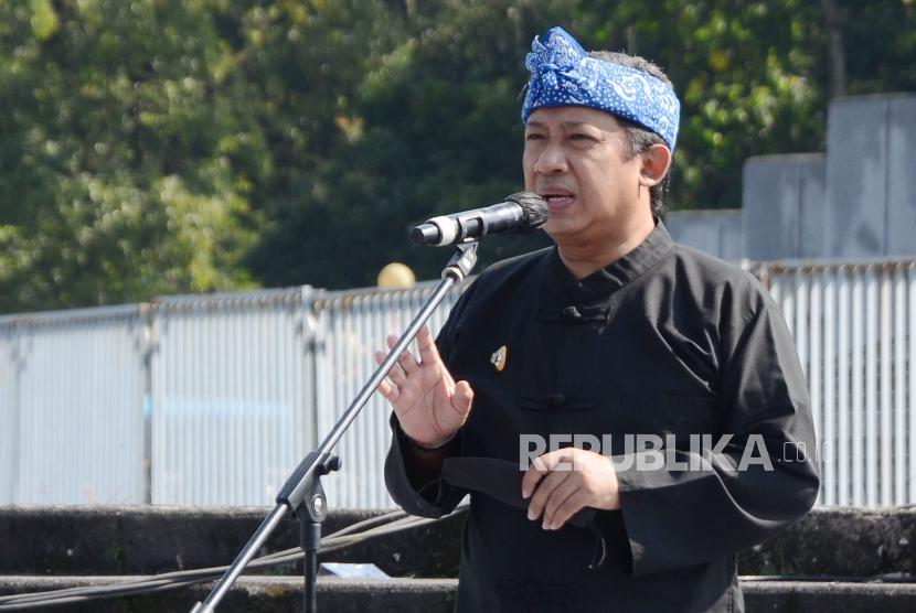 Kebijakan buka tutup jalan di Kota Bandung yang berjalan 3 termin pada masa penerapan pembatasan kegiatan masyarakat (PPKM) darurat akan dilonggarkan pada PPKM yang berlangsung hingga 25 Juli. Buka tutup jalan hanya akan dilakukan pada pukul 18.00 WIB hingga 05.00 WIB. (Foto: Wakil Wali Kota Bandung Yana Mulyana)