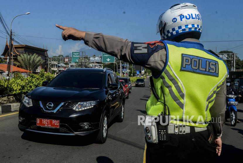 Puluhan Kendaraan Pemudik di Puncak Dipaksa Putar Balik (ilustrasi).