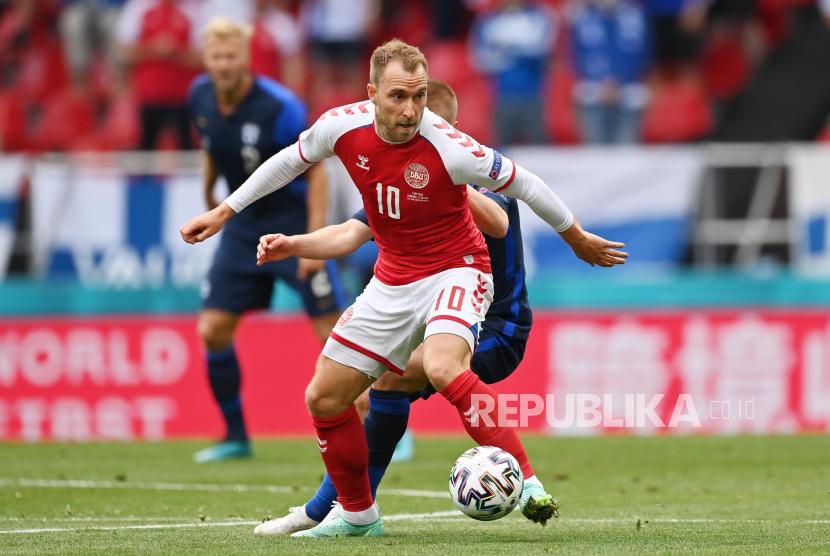 Aksi Gelandang timnas Denmark, Christian Eriksen pada laga kualifikasi Grup B Piala Eropa 2020 melawan Finlandia di Stadion Parken, Ahad (13/6) dini hari WIB.