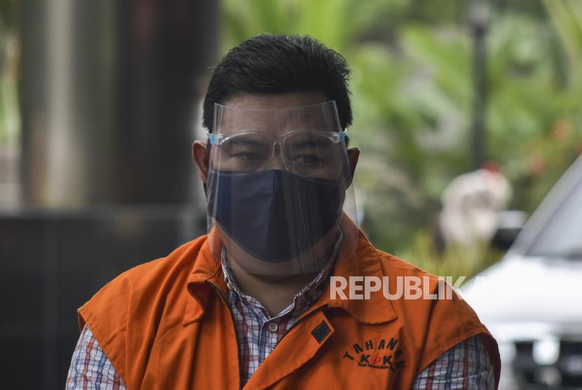 Ardian IM bersiap menjalani pemeriksaan di gedung KPK, Jakarta Senin (4/1/2021). Pada hari ini jaksa KPK menuntut Ardian 4 tahun penjara karena dinilai terbukti menyuap mantan Mensos Juliari Batubara. (ilustrasi)