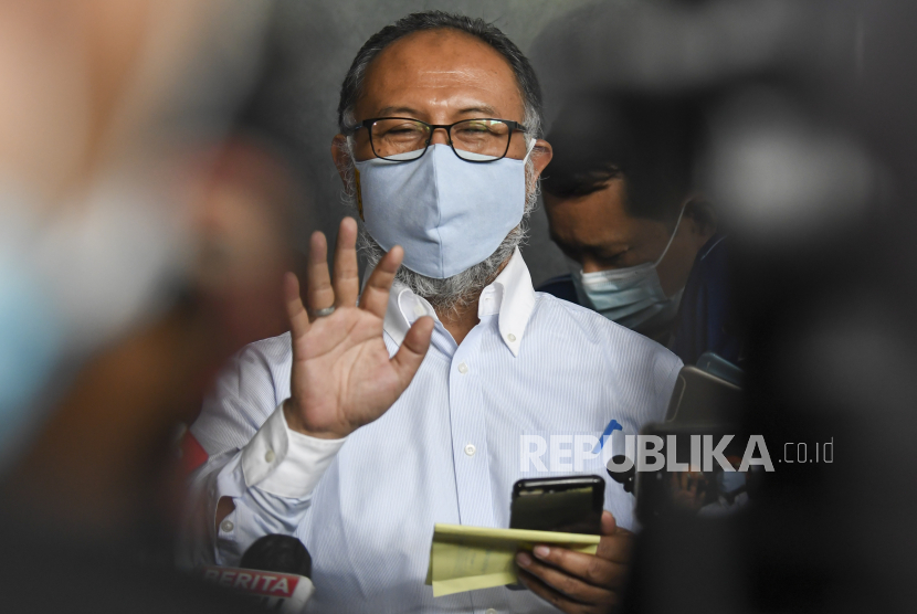 Eks Pimpinan Ketua KPK Bambang Widjojanto memberikan keterangan pers.