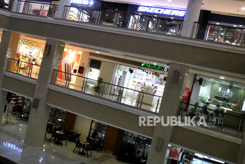 Suasana sepi di pusat perbelanjaaan, Yogyakarta (ilustrasi). Pengusaha menyatakan, kebijakan pembatasan akan menekan dunia usaha.