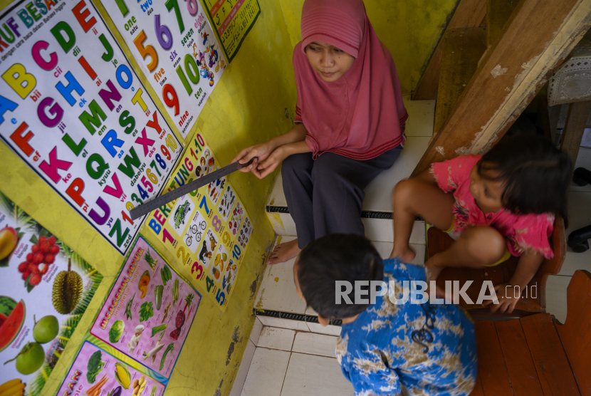 Kemendikbud Jangan Ada Tugas Ke Anak Paud Selama Pandemi Republika Online