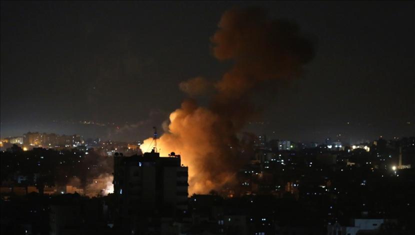 Rumah Sakit Indonesia di Gaza, mengalami kerusakan akibat serangan pasukan Israel pada wilayah di sebelah fasilitas kesehatan tersebut, Selasa malam hari waktu setempat (11/5).