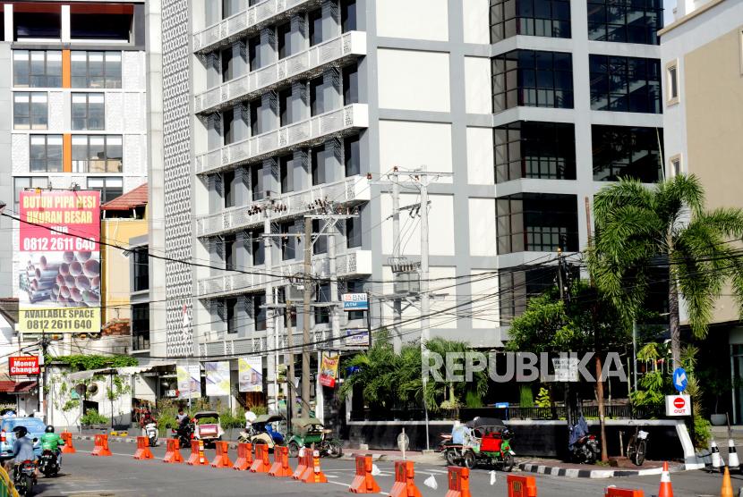 Deretan hotel di kawasan Malioboro, Yogyakarta, Senin (6/4)