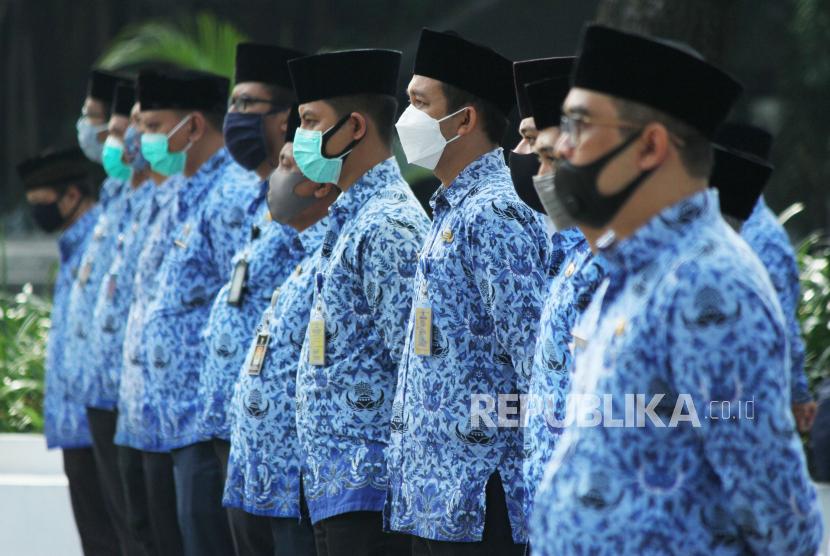 Aparatur sipil negara (ASN) di lingkungan Pemerintah Kota Bandung.