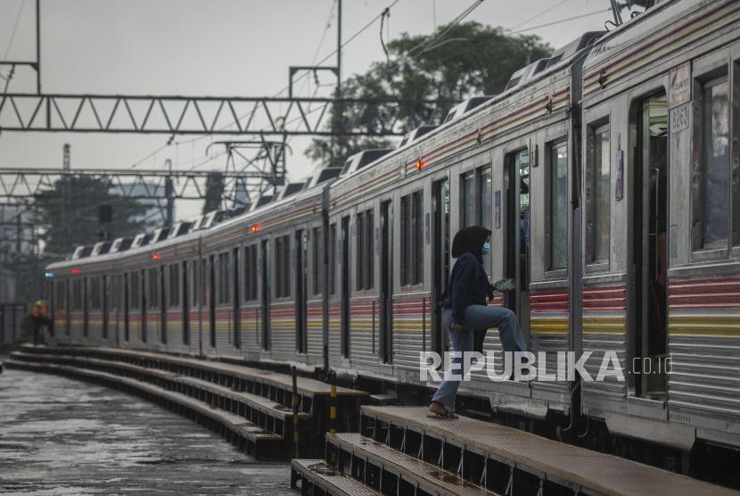 KAI Cirebon Berangkatkan 1.198 Penumpang Kereta Khusus (ilustrasi).