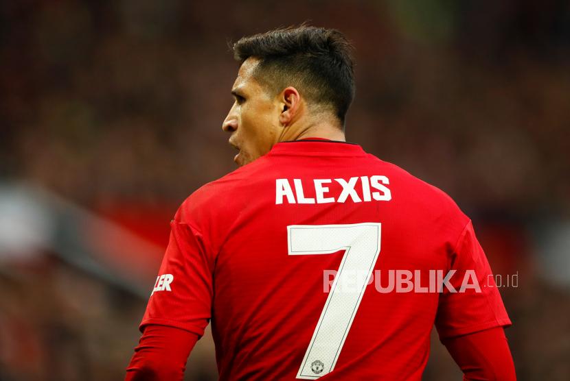 Bintang timnas Cile, Alexis Sanchez, melewatkan laga penyisihan grup Copa America 2021 karena cedera.