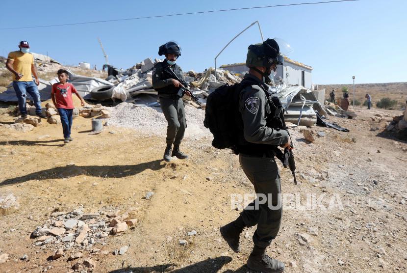 Polisi  Israel.