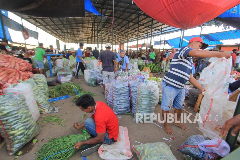 Covid-19 Melonjak, Pasar Sandang Jatibarang Ditutup (ilustrasi).