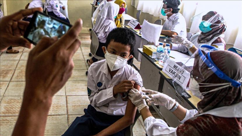 Kamboja pada Jumat (17/9) mulai memvaksinasi anak-anak berusia antara 6 dan 11 tahun agar siswa dapat kembali dengan aman ke sekolah