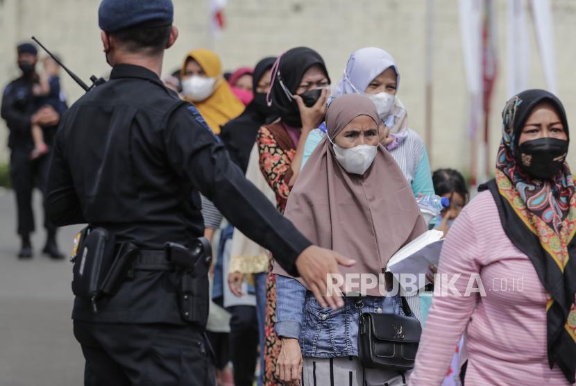 Capaian vaksinasi Covid-19 di Depok sudah capai 69 persen. Ilustrasi vaksinasi di Depok, Jawa Barat, Indonesia.