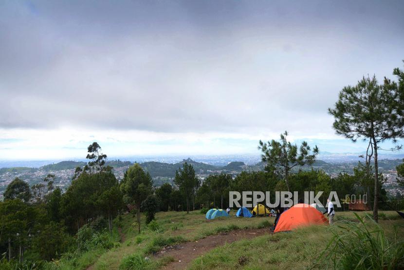 Langgar PPKM, Wisata Pineus Tilu di Pangalengan Ditutup (ilustrasi).