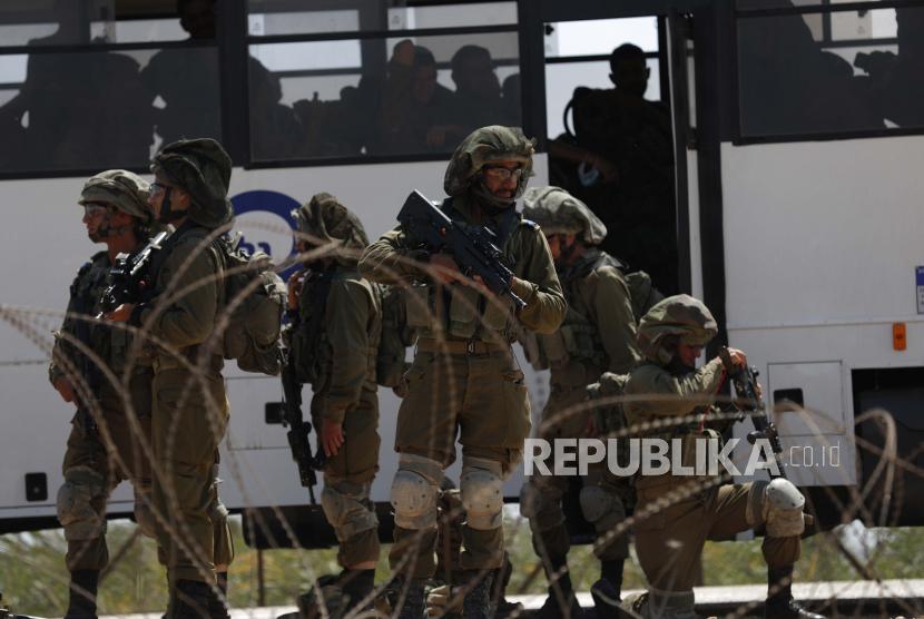 Sebanyak 73 anak-anak Palestina terluka oleh militer Israel dalam dua pekan. Ilustrasi tentara Israel