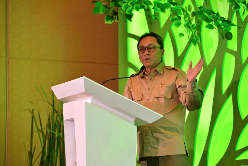 Menhut Zulkifli Hasan saat peluncuran buku