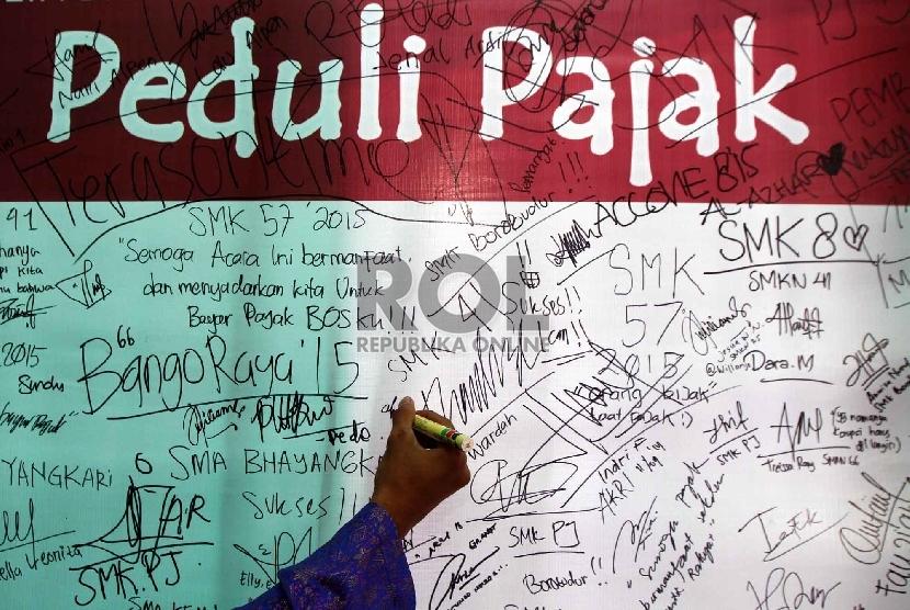 Kampanye Generasi Muda Pedupi Pajak di Kantor Pelayanan Pajak (KPP) Pratama Pasar Minggu, Jakarta Selatan.
