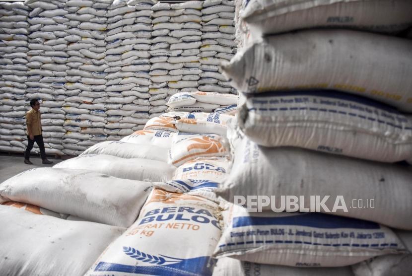 Bulog akan Salurkan 600 Ribu Ton Beras untuk Bantuan Pangan