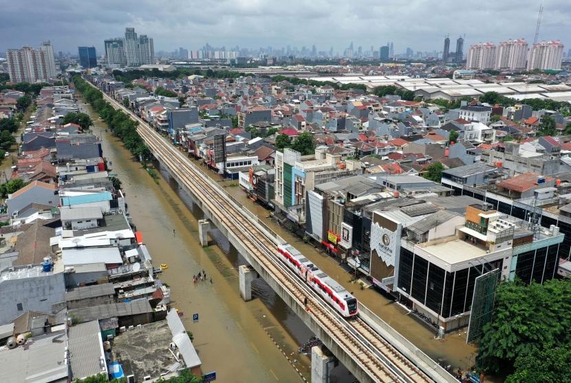 Akibat Banjir, Sejumlah Jadwal Kereta Alami Keterlambatan