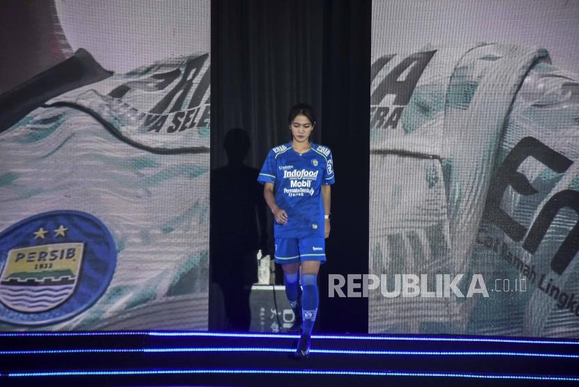 Nasib Liga Belum Jelas Striker Cantik Persib Pasrah Republika Online