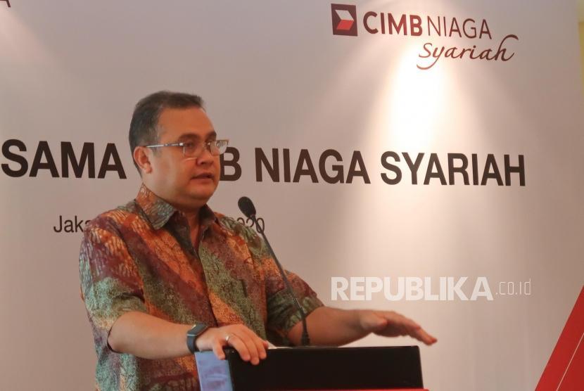 Direktur Syariah Banking CIMB Niaga Pandji P Djajanegara. CIMB Niaga Syariah menargetkan laba Rp 1,45 triliun tahun ini.