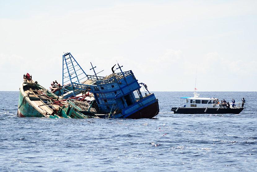 Kapal tenggelam (ilustrasi)