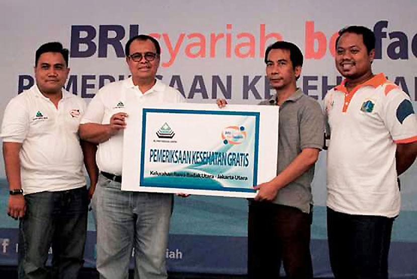 BRI Syariah (BRIS) melaksanakan kegiatan pemeriksaan kesehatan gratis di Kelurahan Rawabadak Utara Jakarta Utara.