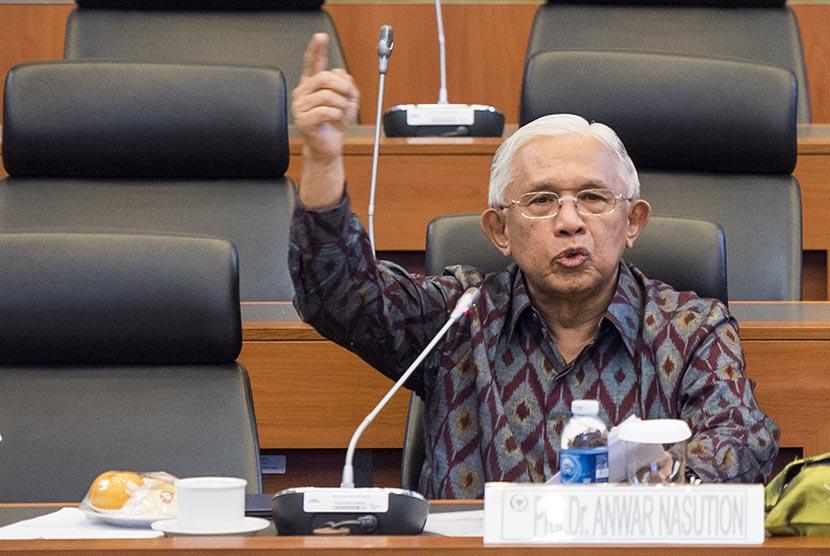 Prof Anwar Nasution.