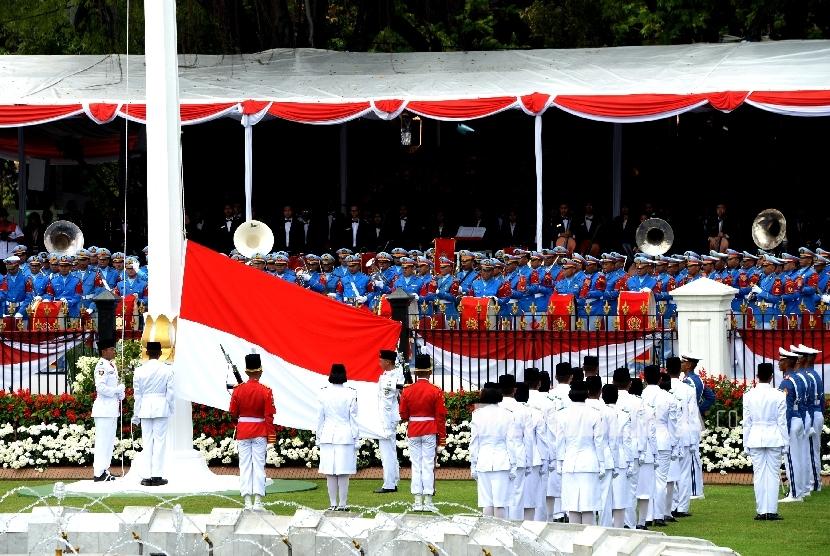 (Ilustrasi) Pengibaran duplikat bendera pusaka oleh anggota Paskibraka saat Upacara detik-detik Proklamasi di Istana Merdeka, Jakarta, Kamis (17/8).