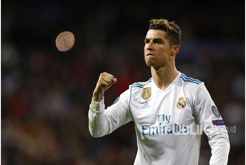 Selebrasi Cristiano Ronaldo setelah menjebol gawang Juventus pada laga leg kedua babak perempatfinal Liga Champions Eropa, di Stadion Santiago Bernabeu, Kamis (12/4) dini hari WIB.