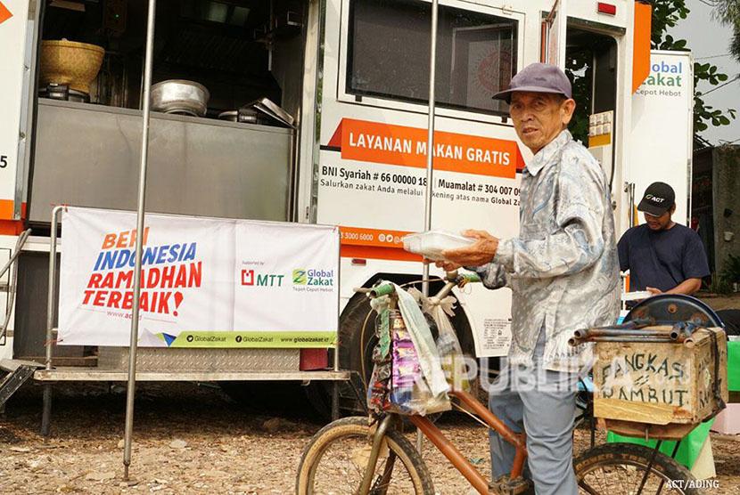 Humanity Food Truck ACT, truk  besar yang disulap menjadi dapur masak umum.