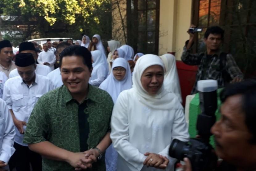 Ketua TKN Jokowi-Ma'ruf Amin Erick Thohir menggelar silaturahim dengan elemen Relawan Pemenangan Jokowi-Ma'ruf se-Jawa Timur di Jalan Diponegoro Nomor 9, Surabaya, Jumat (26/10). Acara tersebut juga dihadiri Gubernur Jatim Terpilih Khofifah Indar Parawansa.