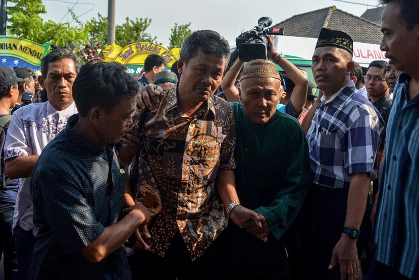 Keluarga dari korban jatuhnya pesawat Lion Air JT 610 Jannatun Cintya Dewi berada di kediaman kawasan Sukodono, Sidoarjo, Jawa Timur, Kamis (1/11/2018).