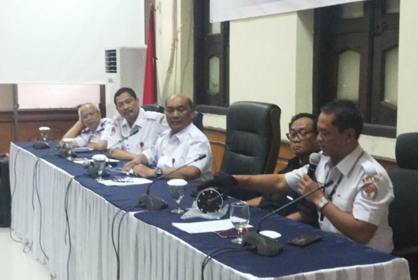 Konferensi Pers di KNKT, Jakarta Pusat, Rabu (7/11).