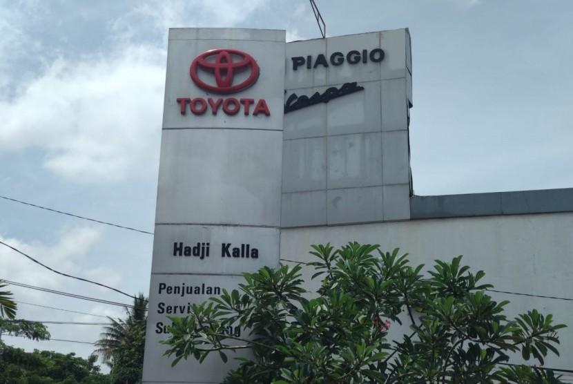 Suasana Toyota Cabang Awaluddin Makassar, Jumat (9/11). Kalla Toyota saat ini menargetkan market share mencapai 33 persen pada 2018 untuk empat wilayah di Sulawesi Selatan, Sulawesi Barat, Sulawesi Tengah, dan Sulawesi Tenggara.