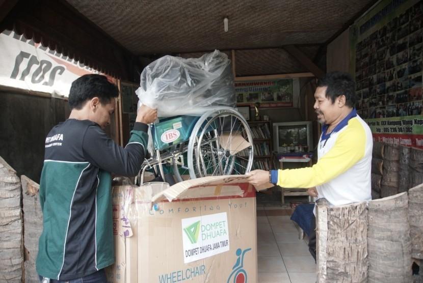 (ilustrasi) Kaum disabilitas yang mendapat program Pemberdayaan Ekonomi Disabilitas Dompet Dhuafa.