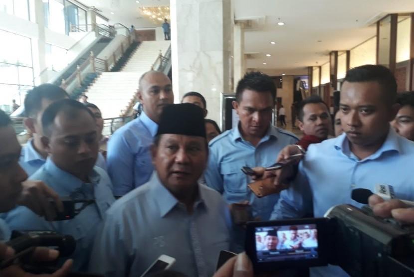 Calon presiden (capres) nomor urut 02 Prabowo Subianto hadiri peringatan Hari Disabilitas Internasional, Jakarta, Rabu (5/12).