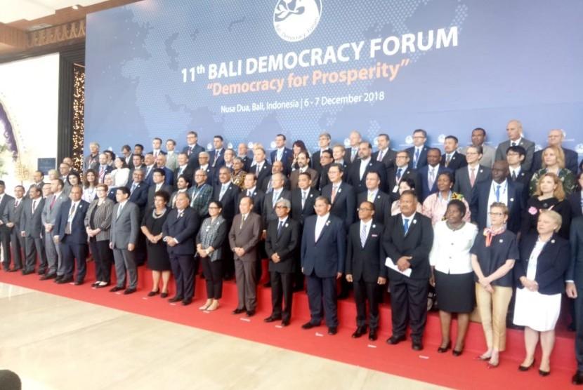 Menteri Luar Negeri (Menlu) Retno Marsudi melakukan sejumlah pertemuan bilateral di sela-sela acara Bali Democracy Forum di Bali Nusa Dua Conferensi Center (BNDC), Bali, Kamis (6/12)