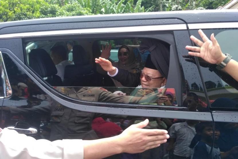 Kiai Ma'ruf Amin dalam salah satu kunjungannya ke pesantren (ilustrasi)