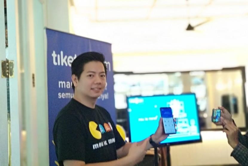 Co-Founder dan Chief Marketing Officer Tiket.com Gaery Undarsa menjelaskan mengenai pertumbuhan jumlah transaksi sepanjang 2018 dan target yang akan diraih pada 2019 di kawasan Jakarta Selatan, Kamis (17/1).
