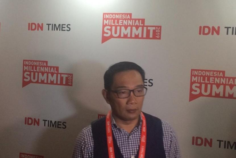 Gubernur Jawa Barat Ridwan Kamil saat menghadiri Indonesia Millenial Summit 2019 di Ballroom Hotel Kempinski, Jakarta, Sabtu (19/1).