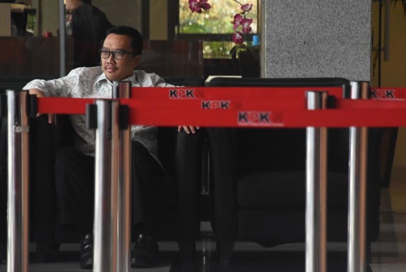 Menpora Imam Nahrawi seusai menjalani pemeriksaan di Gedung KPK, Jakarta, Kamis (24/1/2019).