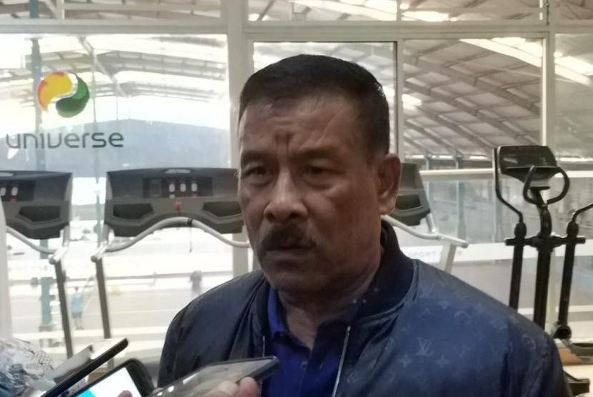 Manajer Persib, Umuh Muchtar di SOSI Fitness, Jalan Manado, Kota Bandung, Rabu (30/1).
