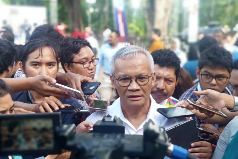 Direktur Program TKN Jokowi Ma'ruf, Aria Bima sebelum debat capres kedua. The Sultan Hotel, Jakarta, Ahad (17/2).