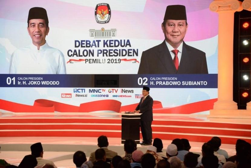 Calon presiden nomor urut 02, Prabowo Subianto dalam debat capres putaran kedua, Ahad (17/2) malam.