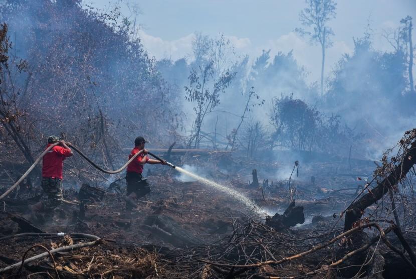 Pemadaman karthula Riau.