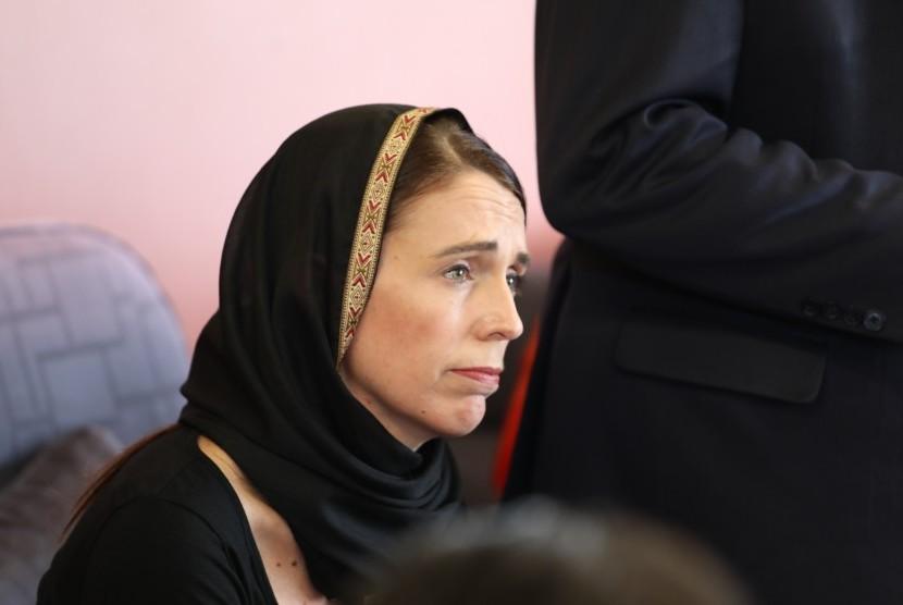 Perdana Menteri Selandia Baru Jacinda Ardern bertemu dengan anggota komunitas Muslim setelah penembakan massal di dua masjid, di Christchurch, Selandia Baru, 16 Maret 2019.