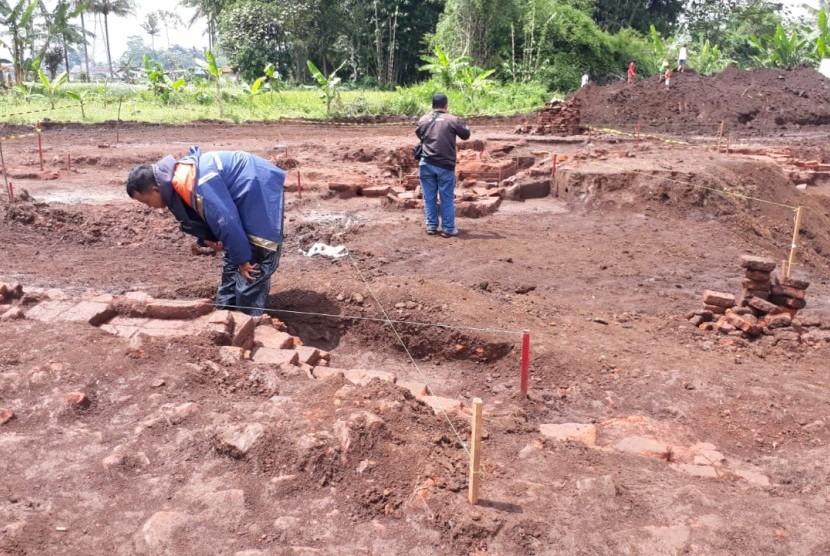 Kegiatan ekskavasi situs pramajapahit di Dusun Sekaran, Sekarpuro, Pakis, Kabupaten Malang berakhir pada Kamis (21/3).