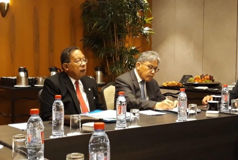 Menteri Koordinator Bidang Perekonomian Darmin Nasution dalam  pertemuan Misi Gabungan Negara-negara Penghasil Minyak Sawit (Council of  Palm Oil Producing Countries/ CPOPC) di Brussels, Belgia, Senin (8/4).