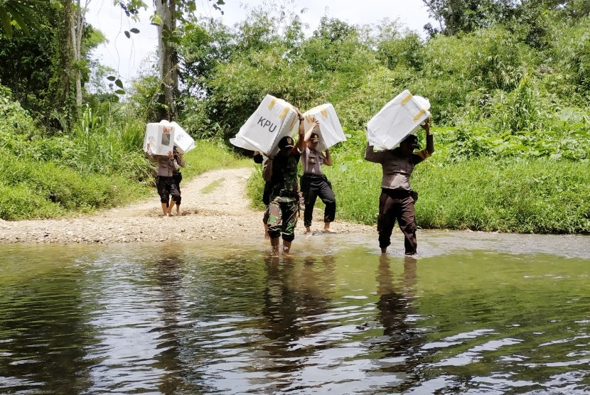 Sungai Sekayam di Kecamatan Sekayam, Kabupaten Sanggau, Kalimantan Barat.