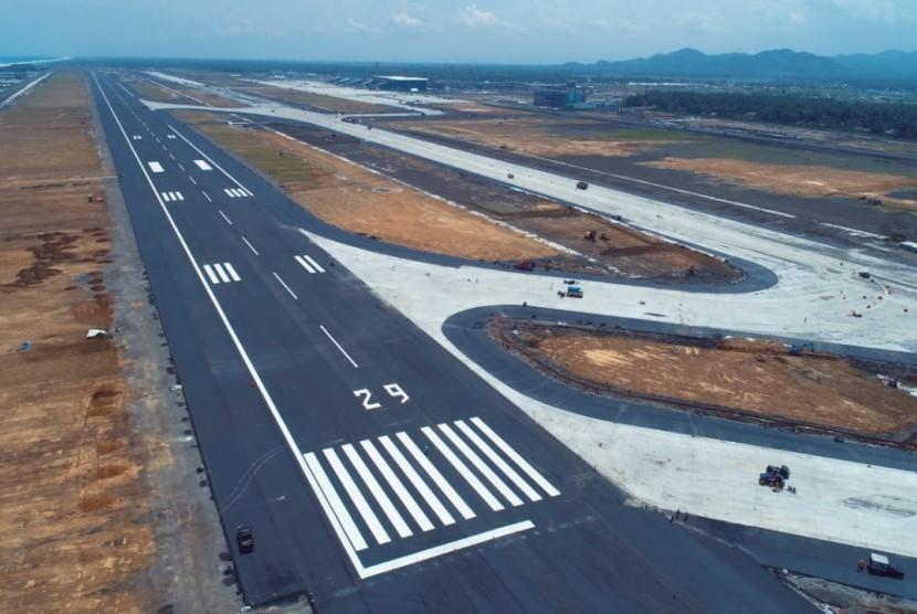 Suasana pembangunan Bandara Internasional Yogyakarta, Kulon Progo. Rencananya, bandara tersebut akan dioperasionalkan pada 29 April 2019.